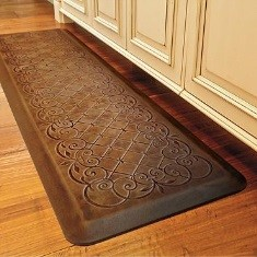 holiday gifts for seniors ideas: kitchen mat